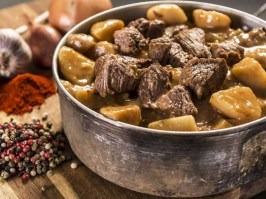 Beef goulash with potatoes [Adventure Menu]
