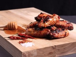 Chicken wings with honey and chilli [Adventure Menu]